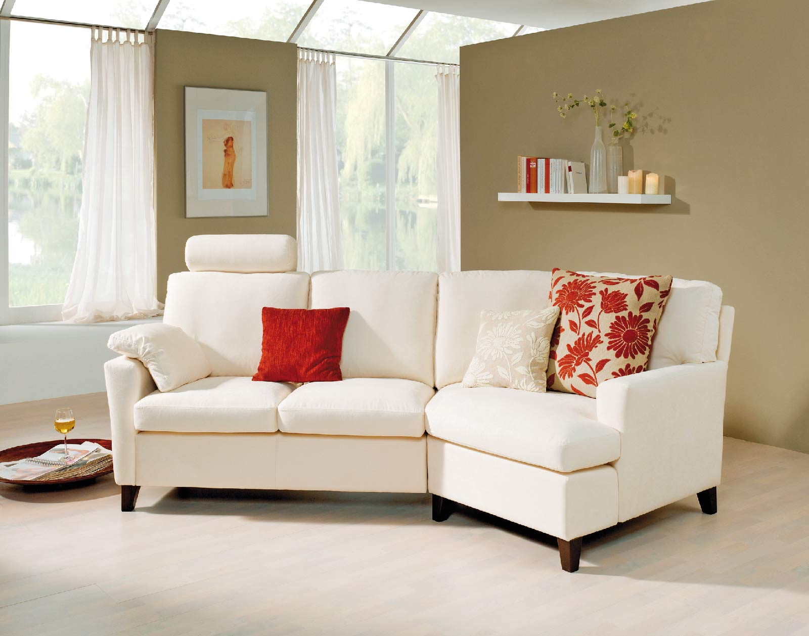 Bequemes sofa felice mit hoher sitzkante f r mehr komfort for Bequemes sofa
